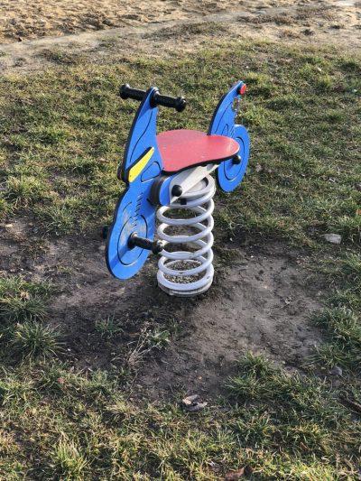 Pružinová hojdačka motorka A5012
